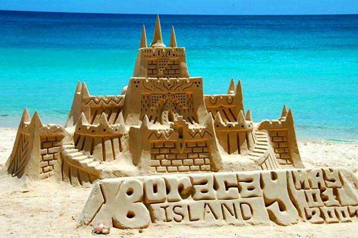 黄金海岸金沙湾海滨浴场沙雕大世界位于秦皇岛市昌黎县黄金海岸旅游