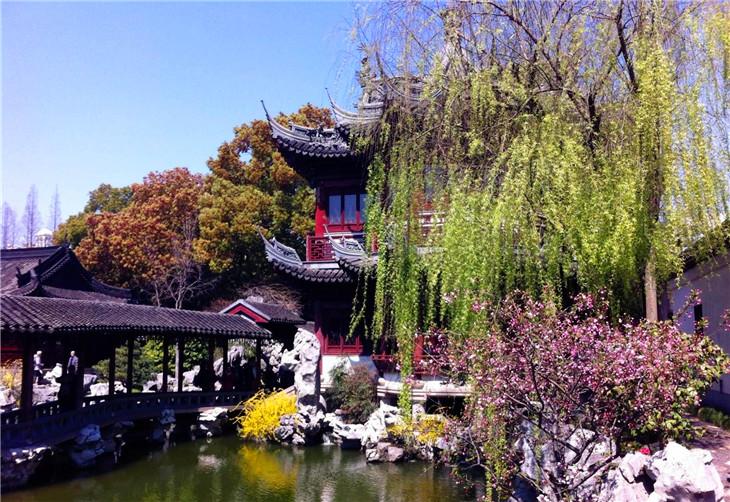 五,中国古代园林中龙与狮子 艺术中的龙与狮,一个是中华民族创造的