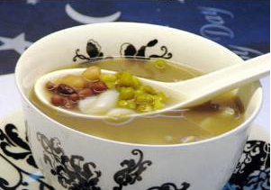 百合绿豆牛奶羹 孕妇控制失眠食谱